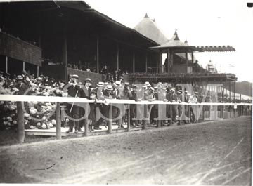 men-at-the-rail-saratoga-race-course